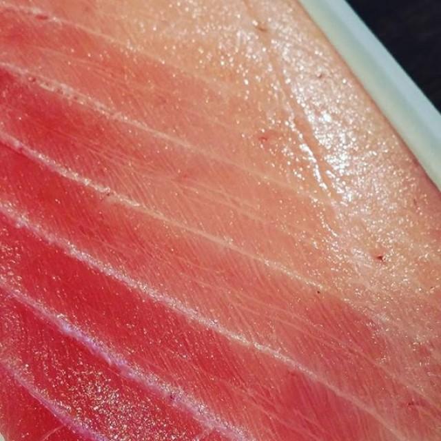 本日火曜日の22時以降限定の裏メニュー!「生中とろ入り海鮮丼」1000円!原価なんて知るか!!食べ来て!