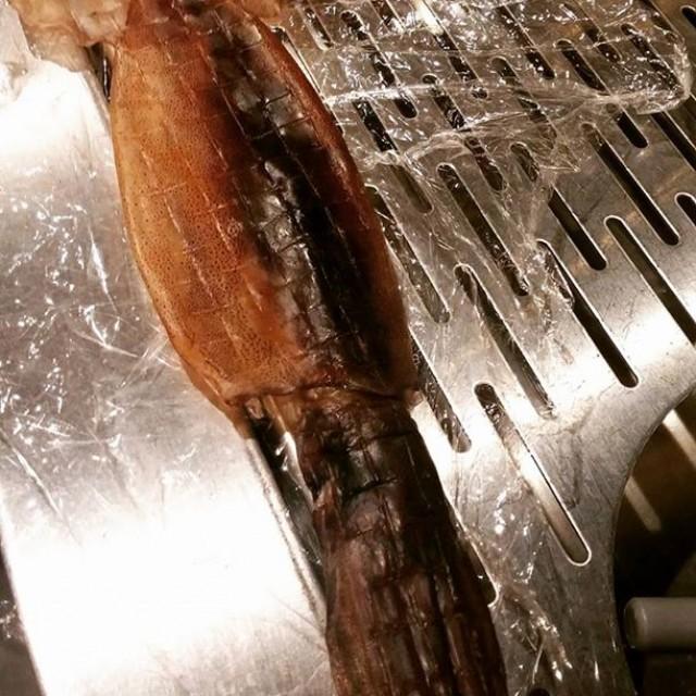 三橋戻りました!金沢で大量に仕入れたイカ干し!胆ごと食べられて、マヨネーズと七味で最高!こんな旨いのに380円はヤバイ!今日のおすすめ!すぐ出ます!