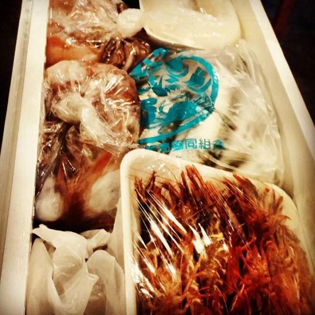 今月最後の週末!!魚が旨い!赤ガス蝦なんてのも来てます!北海道いくら使って茶漬けもあります!