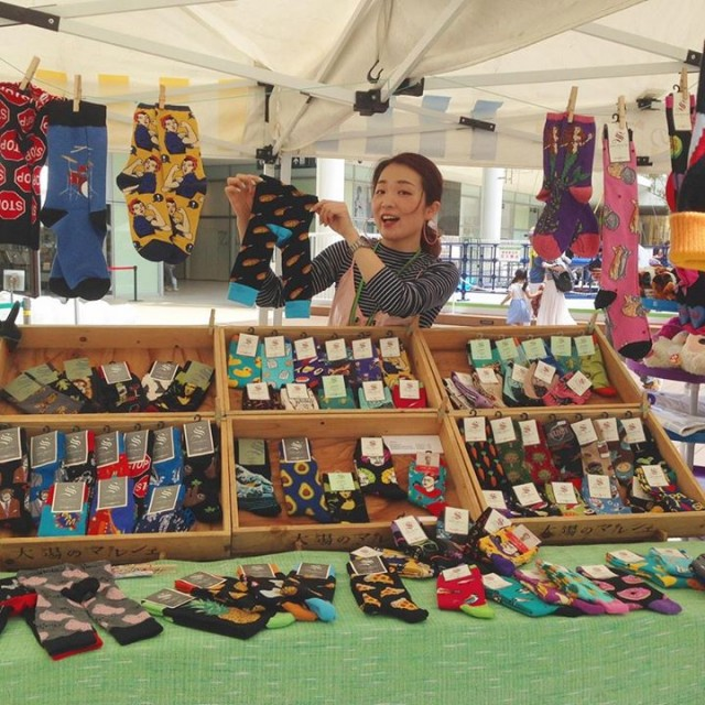 今日はラゾーナ川崎でママラチョひのでさんが靴下販売中です‼️早速遊びに行ってきました😆✨