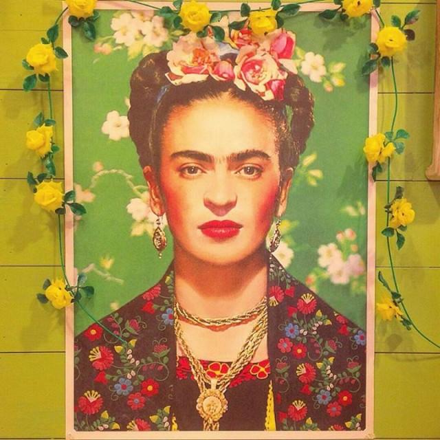 メキシコの画家フリーダカーロのポスター届きました‼️✨