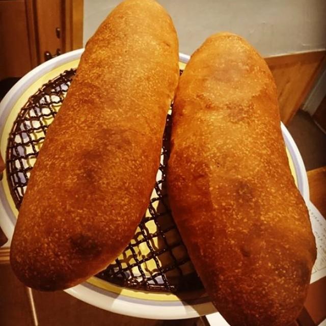 自家製パン焼き上がってます☆
