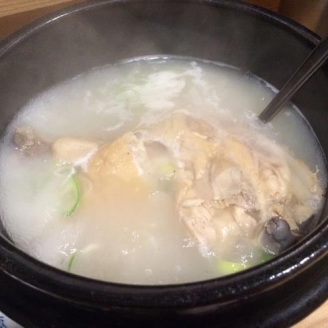 「参鶏湯!¥450早い者勝ち☺️」