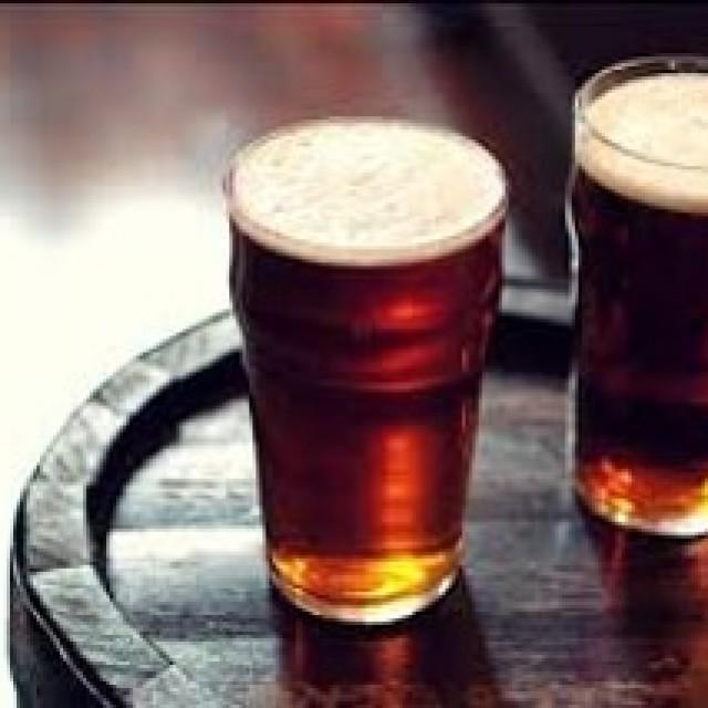 「芳醇な香りの黒ビール!」