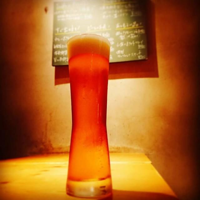 「落ち着きある紳士な一杯!」 本日は、「横浜ビール アルト」が開栓しております!