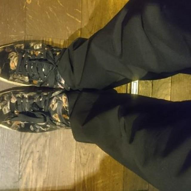 仕事靴忘れてうっかりスニーカーで来ちゃったじゅんやです。