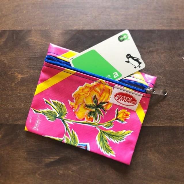 ミニポーチもたくさん届いております😆🙏✨✨このサイズずっと売れてるやつです‼️リップや目薬、ハンドクリーム、そしてポイントカードなどのカード類やちょっとしたものをまとめるのにとっても使えます👍🏻👍🏻✨