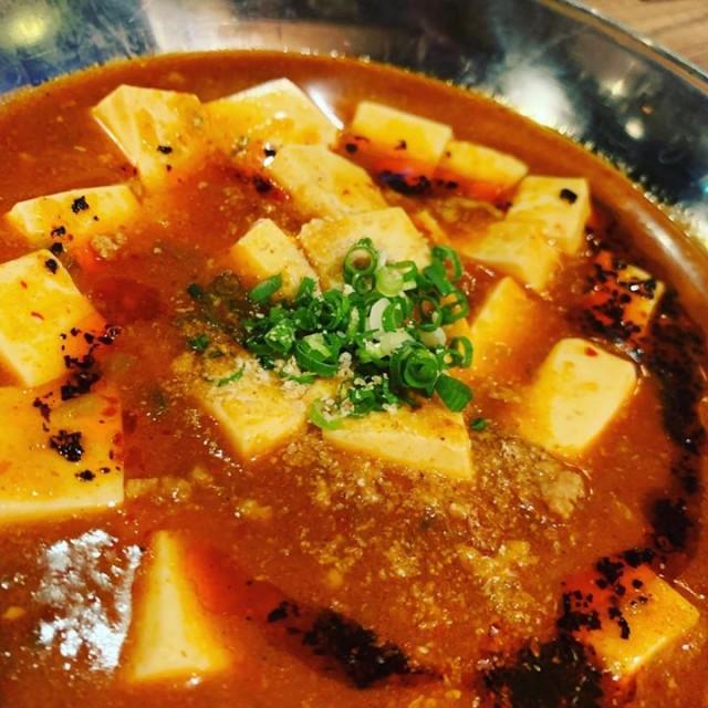 「麻婆豆腐に鮭ハラス焼きにイカの数の子和え😌」