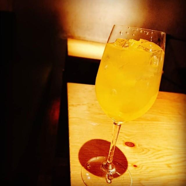 「新作!八朔の泡サングリア!」 本日より新作の泡サングリアの出します!今回は「八朔」を使った爽やかな柑橘系のサングリアです!
